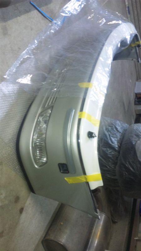クラウンマジェスタトヨタ自動車 17マジェスタ純正バンパーの単体画像