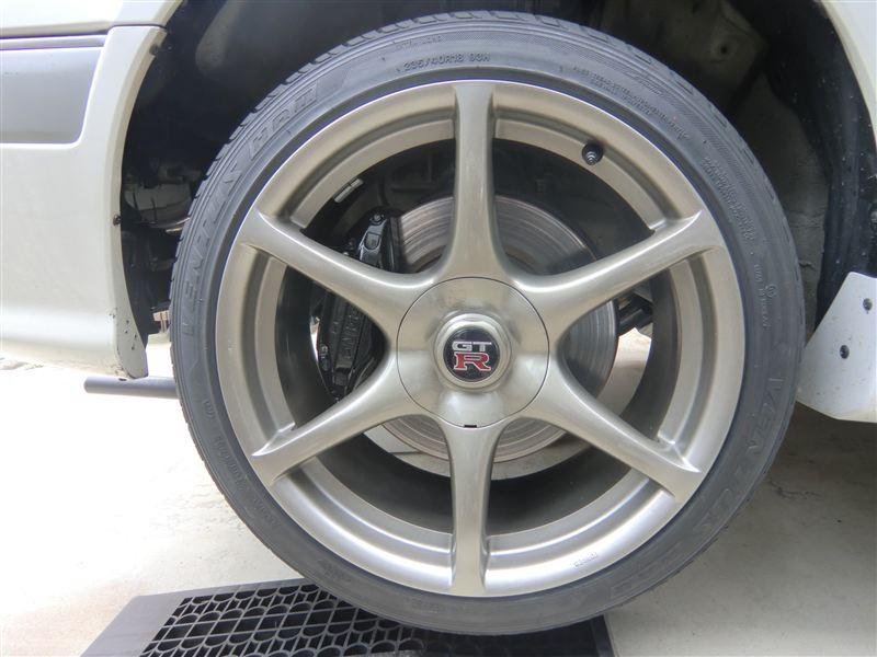 ステージア日産純正 BNR34 スカイライン GT-R 18インチ 9J インセット+30 (鍛造)の単体画像