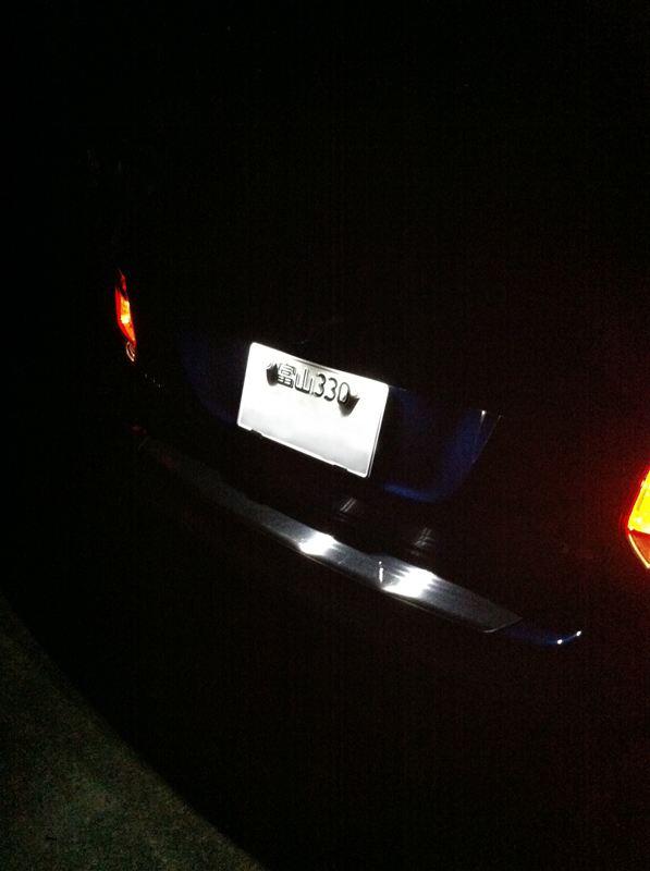 VW純正 LEDライセンスランプ