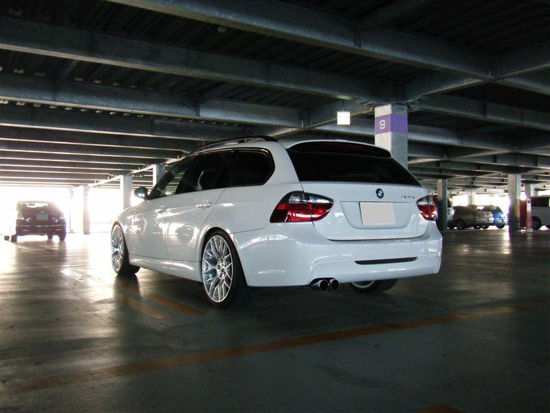 BMW純正 ボディ同色塗装ディフューザー