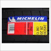 MICHELIN Pilot Super Sport 245/30ZR20