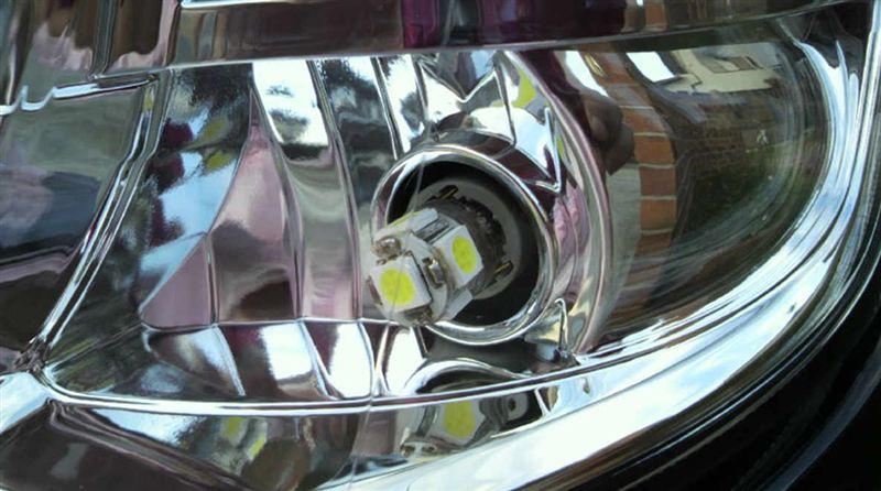 ZEST HIDヘッドライト & LEDポジションランプ
