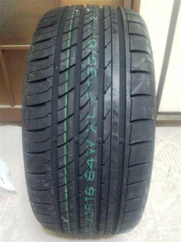 中国タイヤメーカー ROTALLA ROTALLA RADIAL F107 215/35R18 84W XL