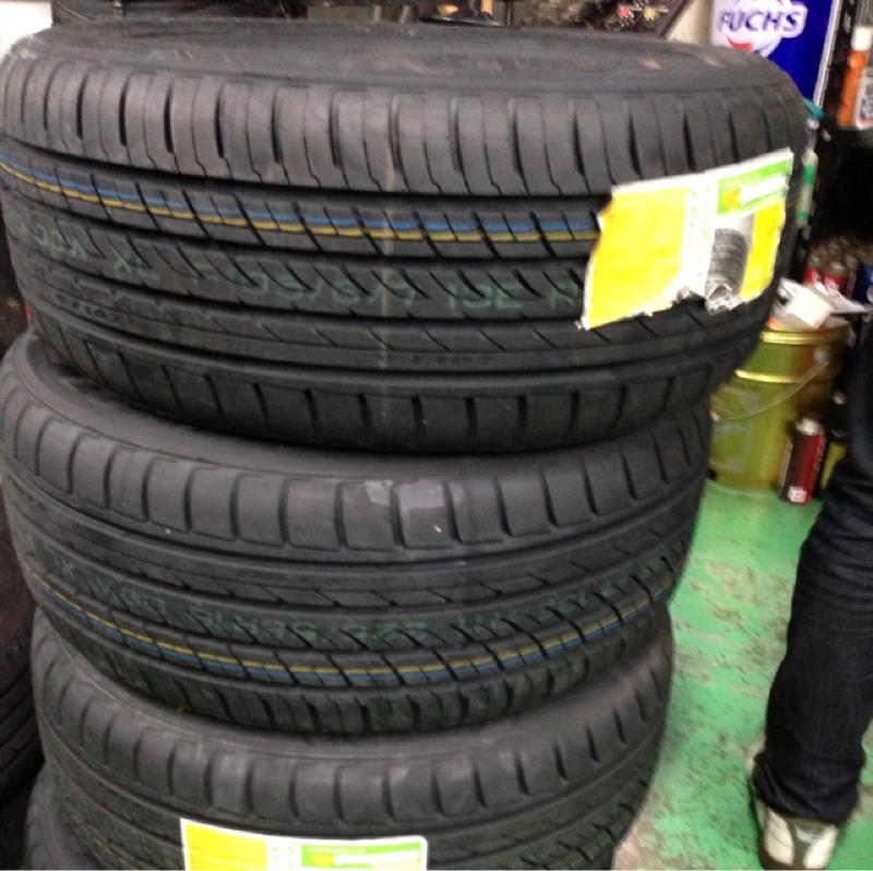 中国タイヤメーカー ROTALLA RADIAL F107 225/55R16 99W XL