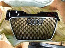 Audi純正(アウディ) TTRSグリル