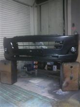 レジアスエースバンメーカー不明 内巻きタイプフロントリップの全体画像
