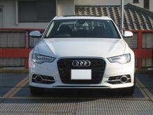 A6 (セダン)Audi純正(アウディ) S6用バンパーグリルの単体画像