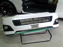 レジアスエースバントヨタ(純正) フロントバンパーの単体画像