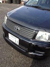 サクシードトヨタ(純正) フロントグリル(黒)の単体画像