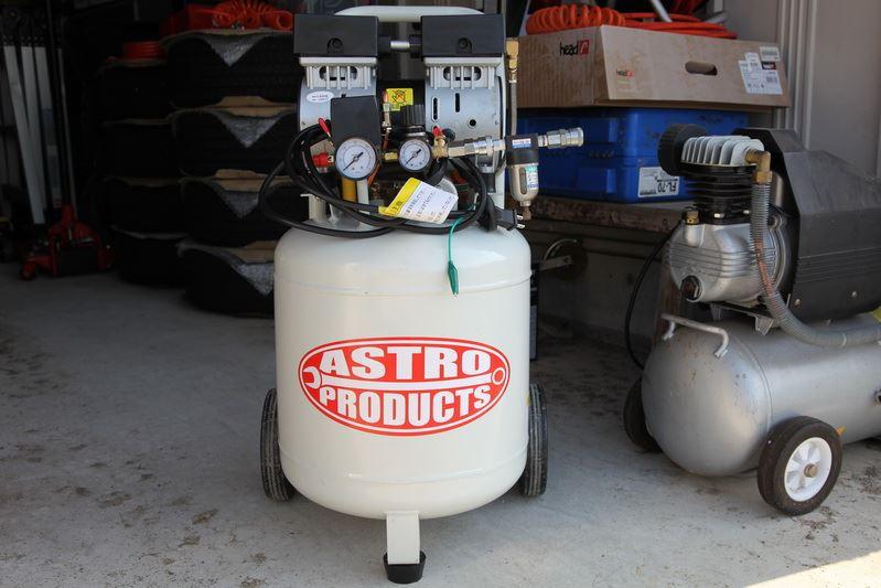 ASTRO PRODUCTS オイルレス サイレント エアコンプレッサー