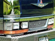 キャンター三菱自動車(純正) 後期純正メッキフロントグリルの単体画像