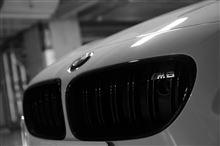 M6 クーペBMW M PERFORMANCE ブラック・キドニー・グリルの単体画像