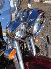 ヘリテイジ ソフテイル クラシックハーレーダビッドソン(純正) バイザースタイル・トリムリング・コレクション ヘッドライトの全体画像