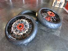 250EXCTGR レーシング モタード ホイールの単体画像