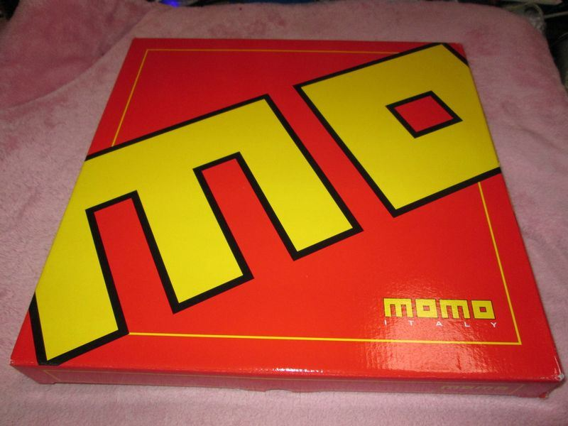 momo Tuner ブラック (350mm)