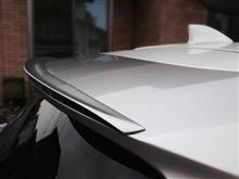 ヴェゼルハイブリッドDESIGN-M製 テールゲートスポイラーガーニッシュの単体画像