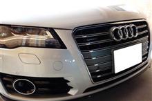 A7 スポーツバックAudi純正(アウディ) S7純正フロントグリルの単体画像