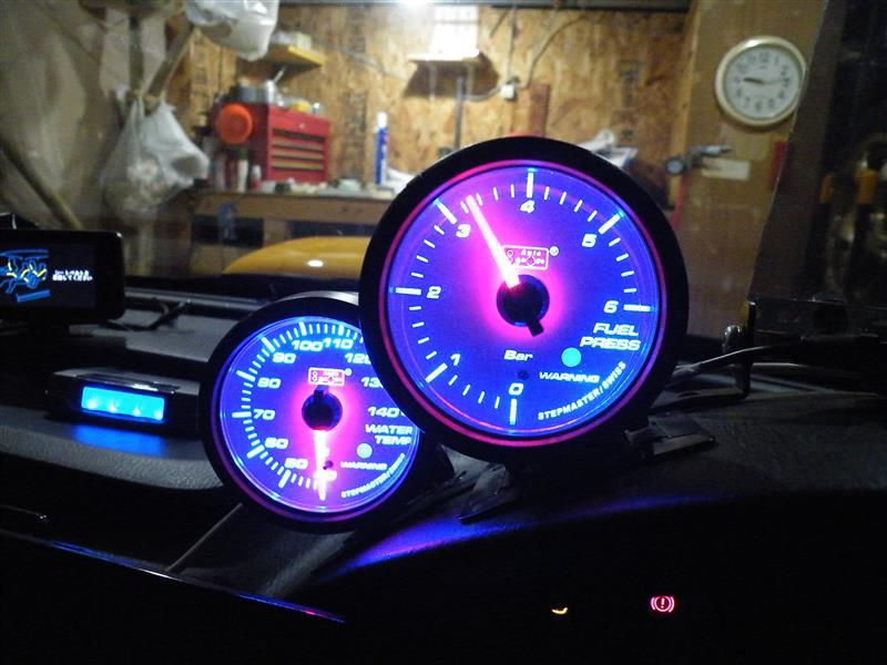 AutoGauge 燃圧計