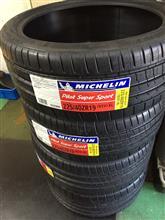 MICHELIN Pilot Super Sport 255/35ZR19