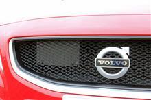 V60HEICO SPORTIV フロントグリルの単体画像
