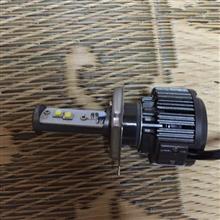 ビーノ不明 LED ヘッドライト H4 Hi/Lo V16 ターボ LEDの単体画像