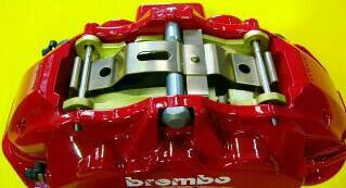 brembo 6pot キャリパー