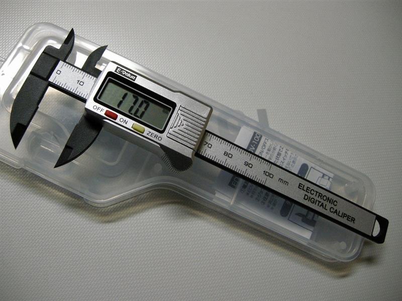 E-Vaiue デジタルノギス カーボンファイバー製