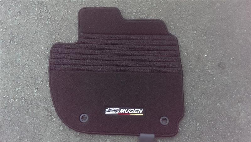 MUGEN / 無限 スポーツマット MT車用 08P15-XMK-K1S0-BK
