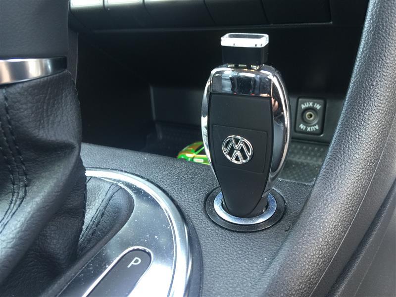 VW  / フォルクスワーゲン純正 携帯電話充電器