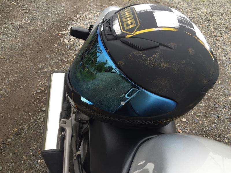 SHOEI広報に聞いた、失敗しないバイクヘルメット …