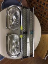 ベレットいすゞ(純正) タイプB角目ライト&グリルの単体画像
