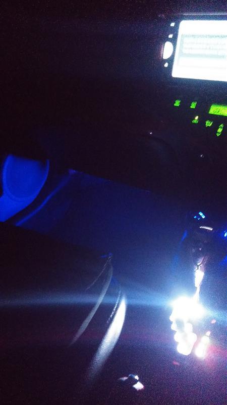 不明 LEDブルーランプ