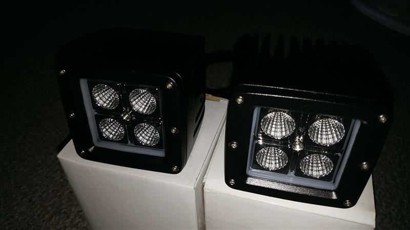 不明 LED フォグランプ