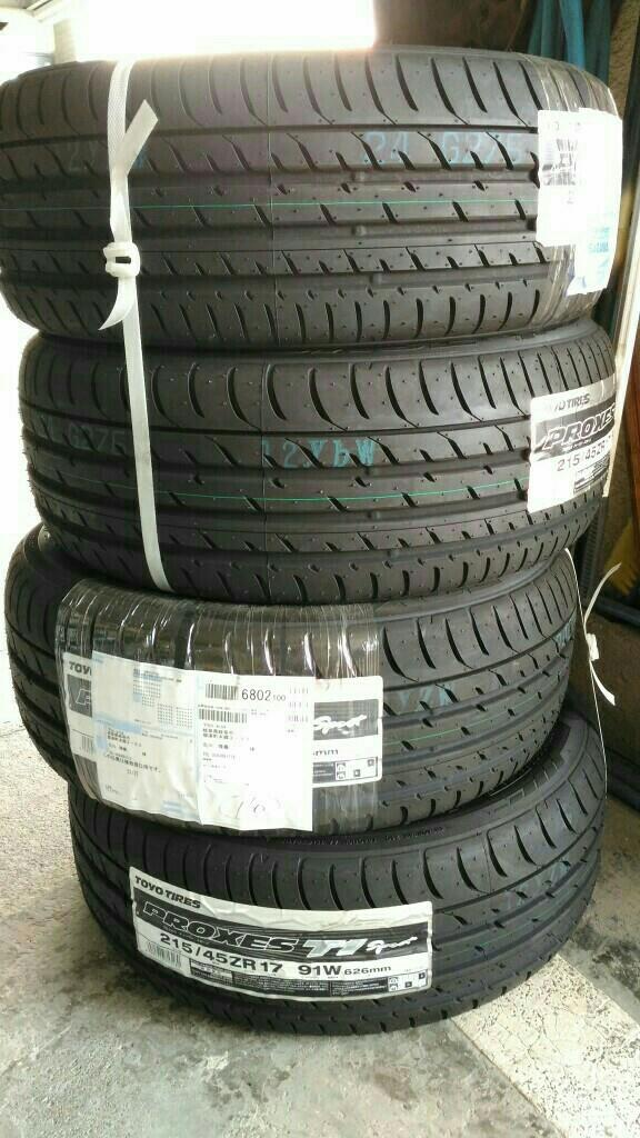 TOYO TIRES PROXES T1 Sport 215/45ZR17