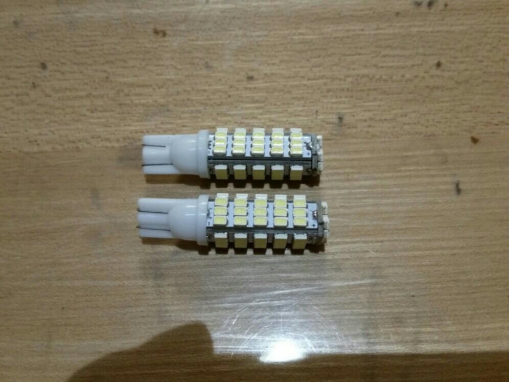 ヤフオク産 T10 68連 ホワイト