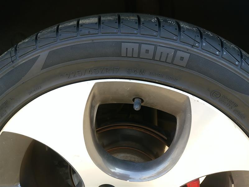 momo MOMO OUTRUN M-3 225/45R17 94W XL