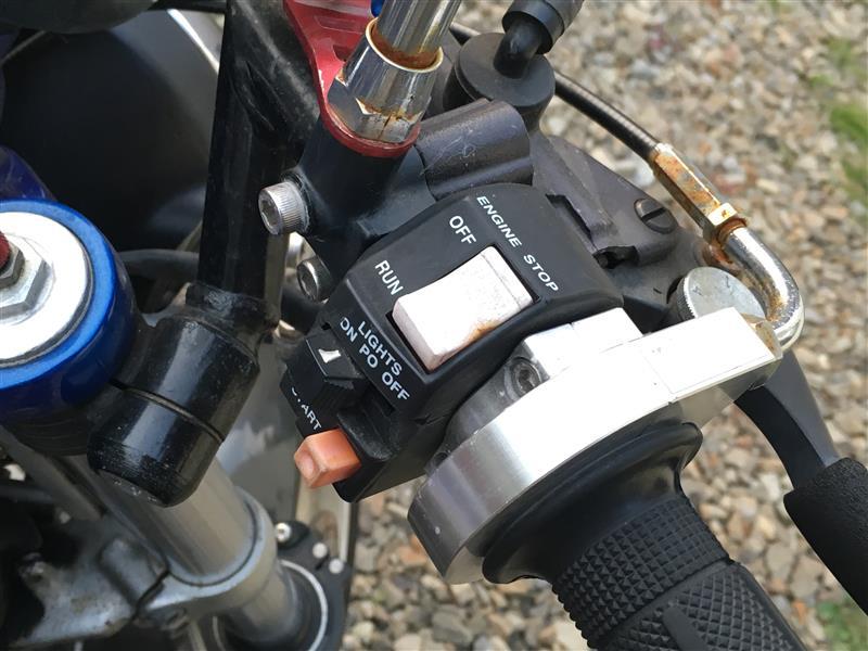 PLOT  汎用 薄型スイッチ