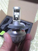 スカイウエイブ250 タイプM不明 LEDヘッドランプ一体型 ファンレス LED 3000ルーメン 新型CREEチップ H4 の全体画像