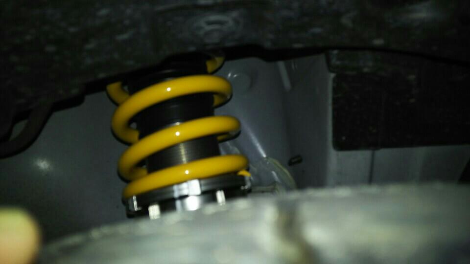 OHLINS 車高調整サスペンションキット