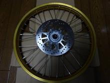 セロー250ワイズギヤ フロントホイールASSY ゴールド 3C5251020035の単体画像