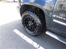 エスカレードMayhem 8015 Warrior 18x9 6x120/6x139.7 +30mm Matte Black Wheels Rimsの全体画像