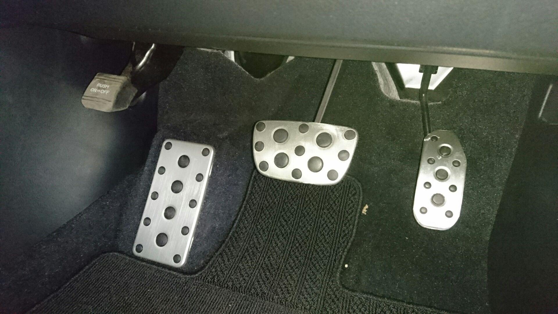 レクサス(純正) F SPORT専用アルミ製スポーツペダル