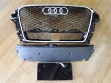 S3(セダン)Audi純正(アウディ) RS3フロントグリルの単体画像