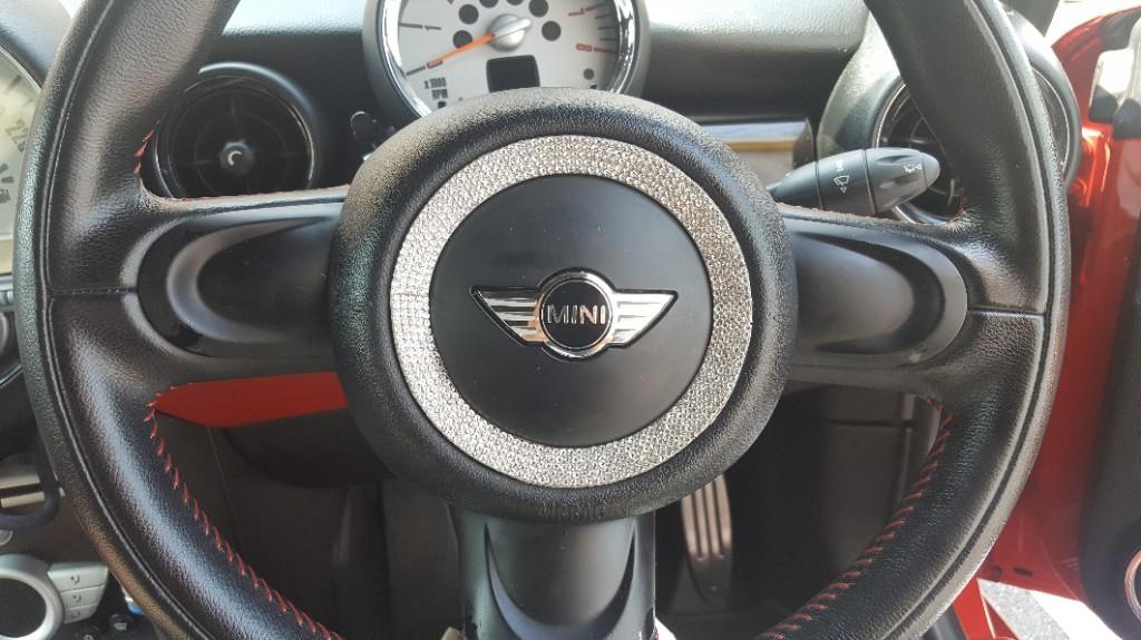 BMW MINI(純正) レザースポーツステアリング(3本スポーク)