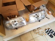 プロボックストヨタ純正 ヘッドランプ左右の単体画像