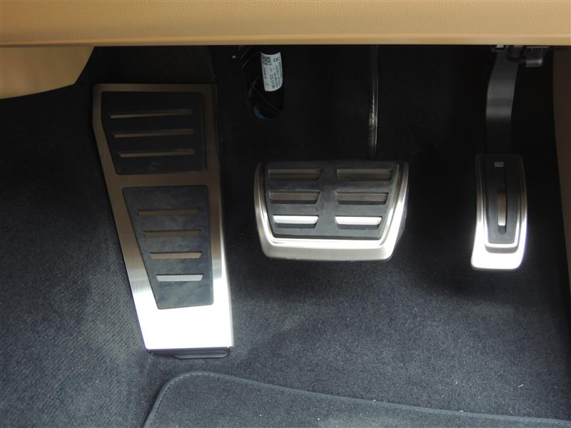 Audi純正(アウディ) アクセル&ブレーキペダル