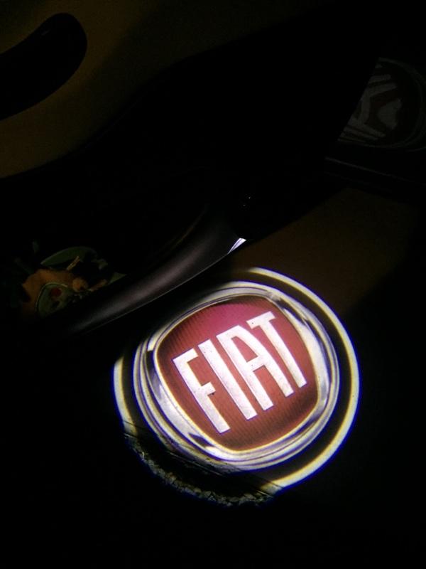 メーカー不明 FIATカーテシランプ