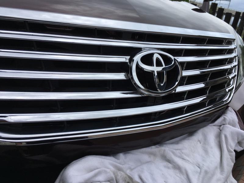 トヨタ(純正) グリル塗装