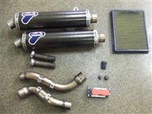 モンスター S4RS テスタストレッタテルミニョーニ カーボン製スリップオンマフラー・キットの全体画像