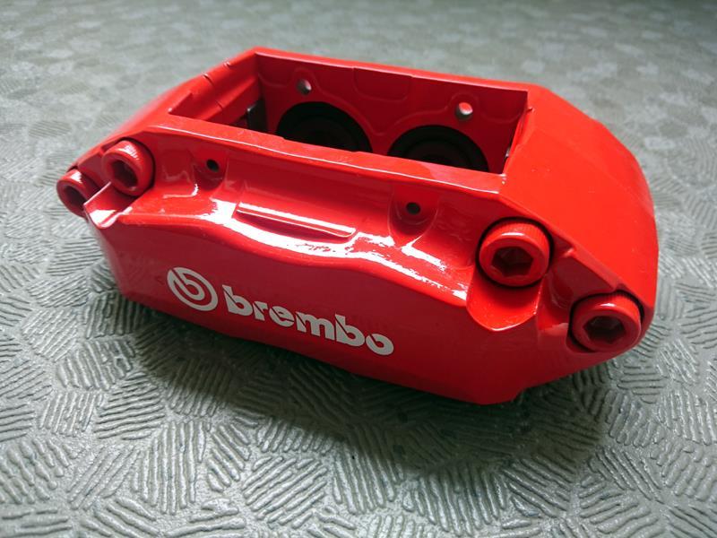 brembo 4pot キャリパー